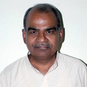 "<h4><font color=""#000""><b>Prof. S G Siddaramaiah</b></font></h4>"